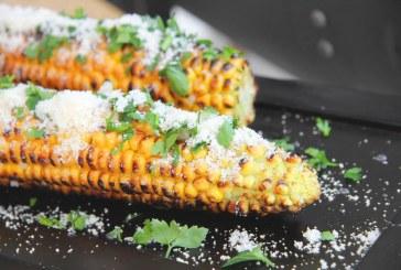 Grillezett Kukorica csövek pikáns parzmezánnal