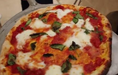 Jamie és Gennaro Contaldo - Pizza Margherita recept