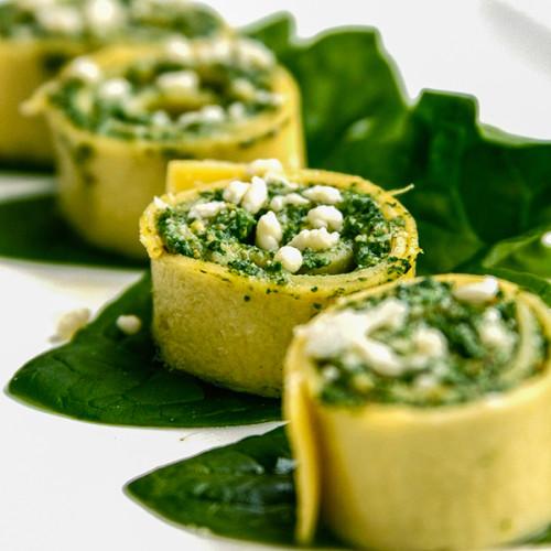 Spinach-Rolls-With-Ricotta-Pistachios-spenotos-recept-pestoval-pisztacia