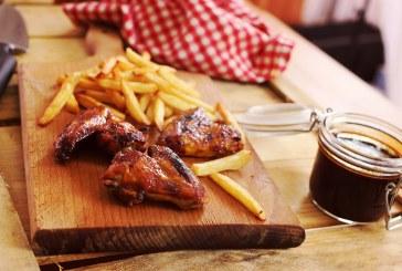 Végre! A legfinomabb Csirkeszárnyak és a híres Zé-féle kólás BBQ szósz !!!