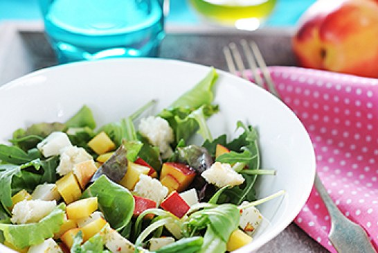 Gyors vacsora – Nektarin saláta Kecske sajttal