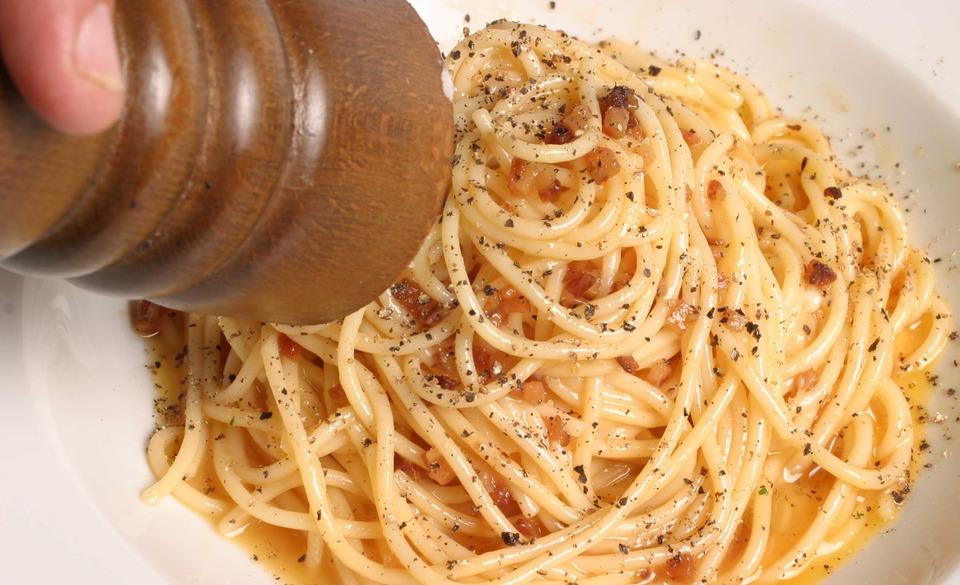 spagetti-alla-carbonara-recept