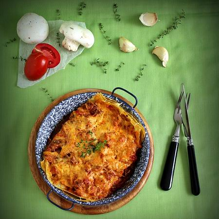kolbaszos-gombas-paradicsomos-lasagne