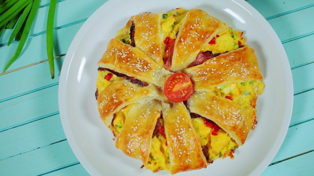 tojásos tésztakoszorú