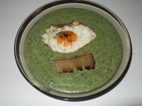 spenot-fozelek-tukor-tojassal-es-sult-szalonna