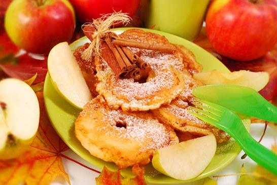 Fahéjas almakarikák palacsintatésztában – Mindenki imádni fogja