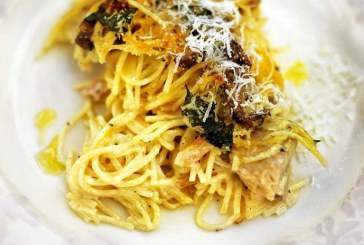 Jamie Oliver: Csirkés, gombás sült spagetti – Spagetti Tetrazzini