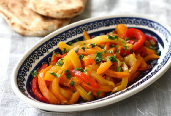 Színes paprika saláta
