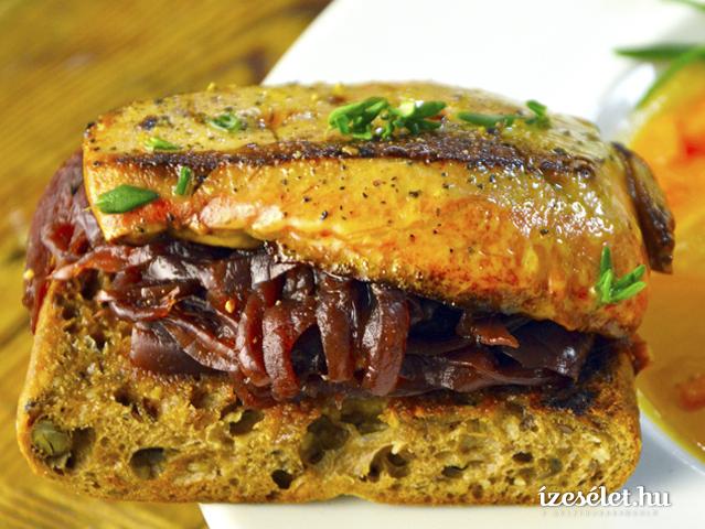 kacsamajas-lilahagymas-szendvics