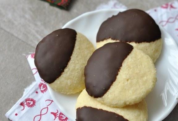 Kókuszos keksz csokiba mártva – recept