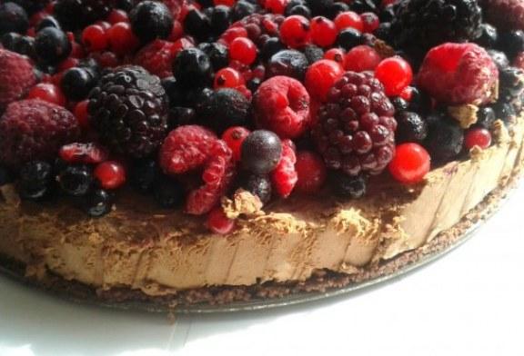 15 perc alatt – Erdei gyümölcsös csokoládétorta
