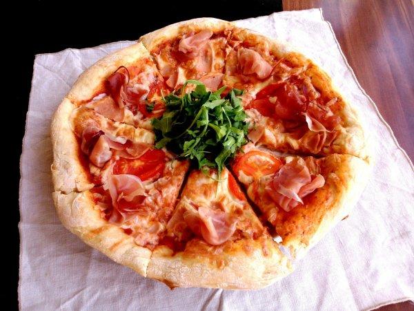 egyszerű PIZZA