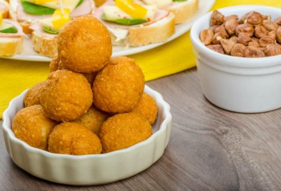 Szilveszteri partifalatok gyorsan, egyszerűen – Sonkás-zöldfűszeres sajtgolyók