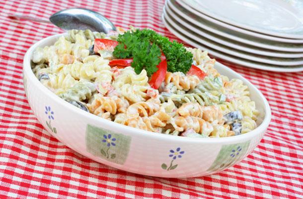 meleg teszta-salata-zoldseg