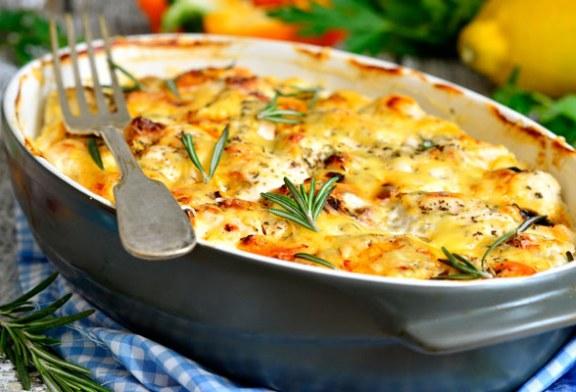Sajtos-tejfölös csirkemell recept – Nem bánod meg, ha elkészíted
