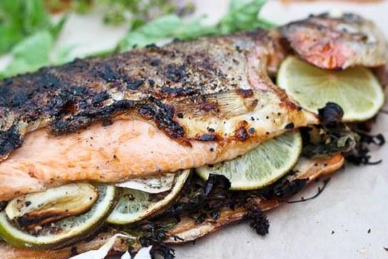 Jamie Oliver féle – Sült pisztráng krumplival és torma mártással, recept