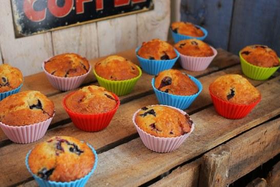 Villámgyors áfonyás fehércsokis muffin