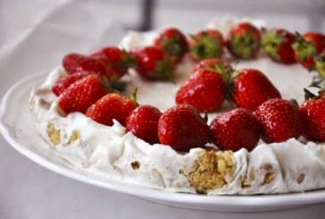 Zabos joghurtos epertorta, recept