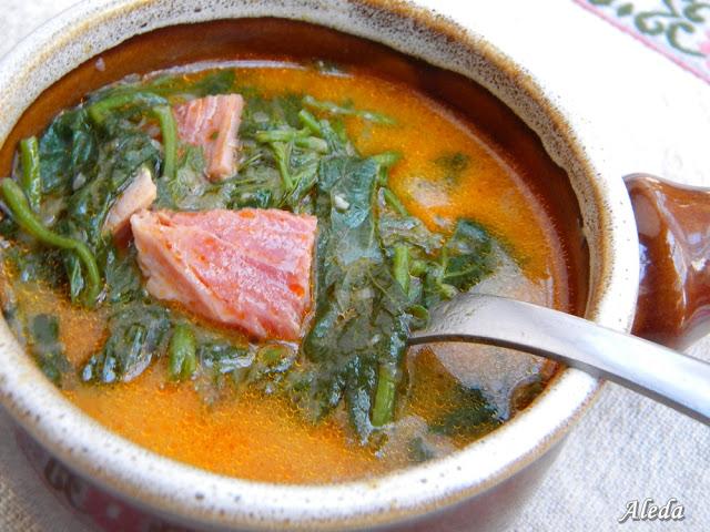 Komló leves