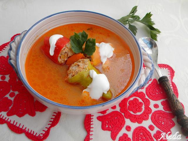 Töltött paprika leves