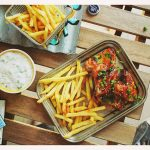 A legjobb ragacsos csirkeszárnyak (extra mártogatóssal!), recet