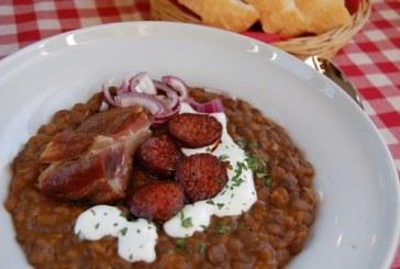 Lencsefőzelék füstölt hússal – kolbásszal, recept