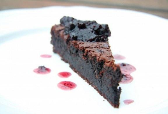 Csokis-diós torta liszt nélkül, recept