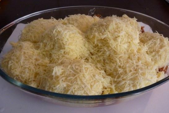 Filléres sajtos burgonyalabda a sütőből – mennyei egytálétel!