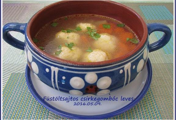 Füstölt sajtos csirkegombóc leves, recept