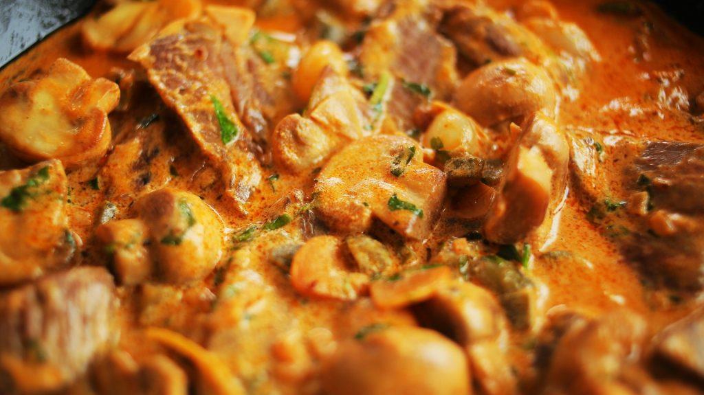 Luxuskaja egy pizza árából: Stroganoff bélszín