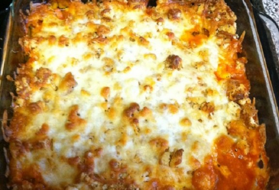 Szalonnás csirkés rakott tészta, rengeteg sajttal!, recept