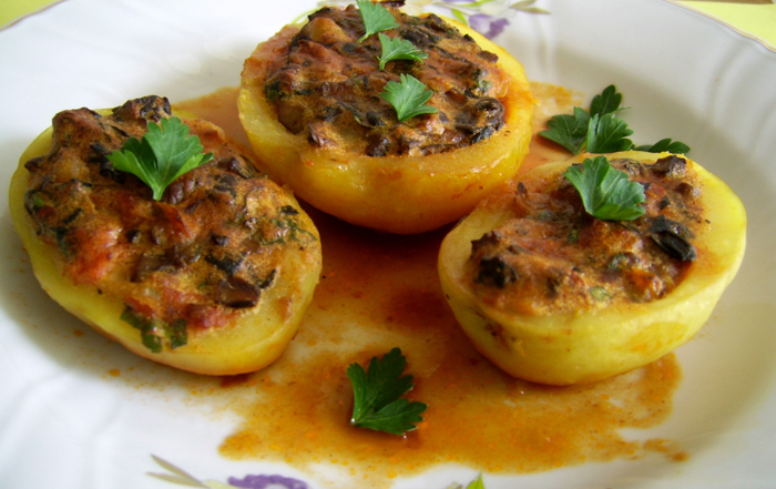 toltott-burgonya-stuffed-potato