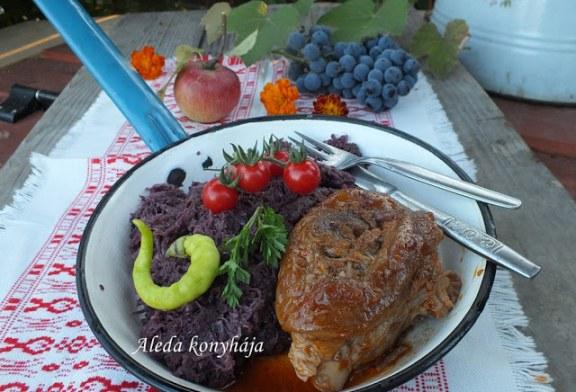 Almás vöröskáposzta csülökkel, recept