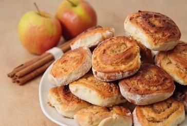 Foszlós almás csigák kelt tésztából, recept