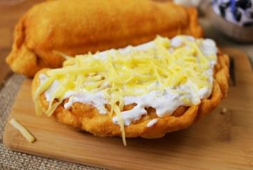OMG: sajttal és virslivel töltött lángos