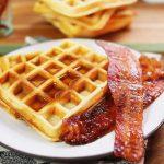 3 gyors és finom reggeli: gofri, sajtos melegszendvics és spéci bundáskenyér