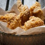Pikáns, rántott csirkeszárny – Ebben a bundában süsd, hogy még ropogósabb legyen, recept