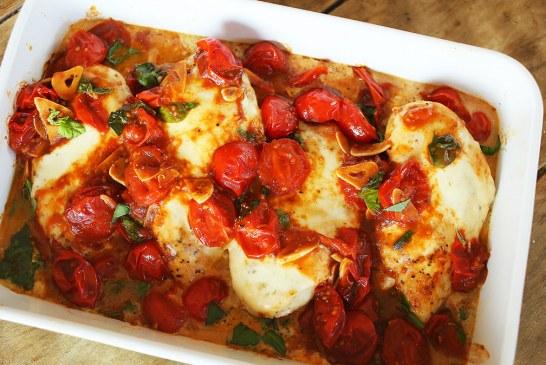 Caprese csirke sok-sok olvadó mozzarellával