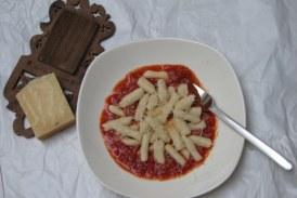 Gnocchi paradicsomszószban, recept