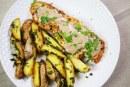 Csirkemell tarkabors kéregben: egyszerű és gyors vacsora