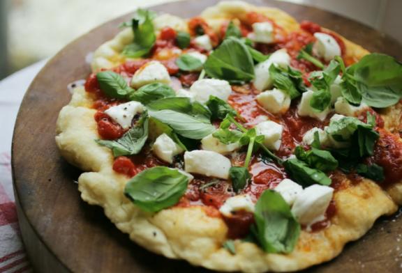 Sült mozzarellás Pizza – Antonio Carluccio receptje