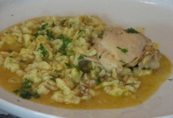 Recept a 18.századból: Kapros csirkepaprikás saját levében főtt nokedlivel
