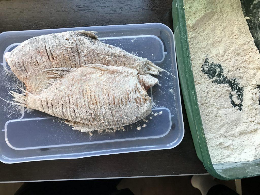 Paprikás lisztben sült keszeg