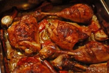 Mennyi omlós, tepsis sült Csirkecombok – recept