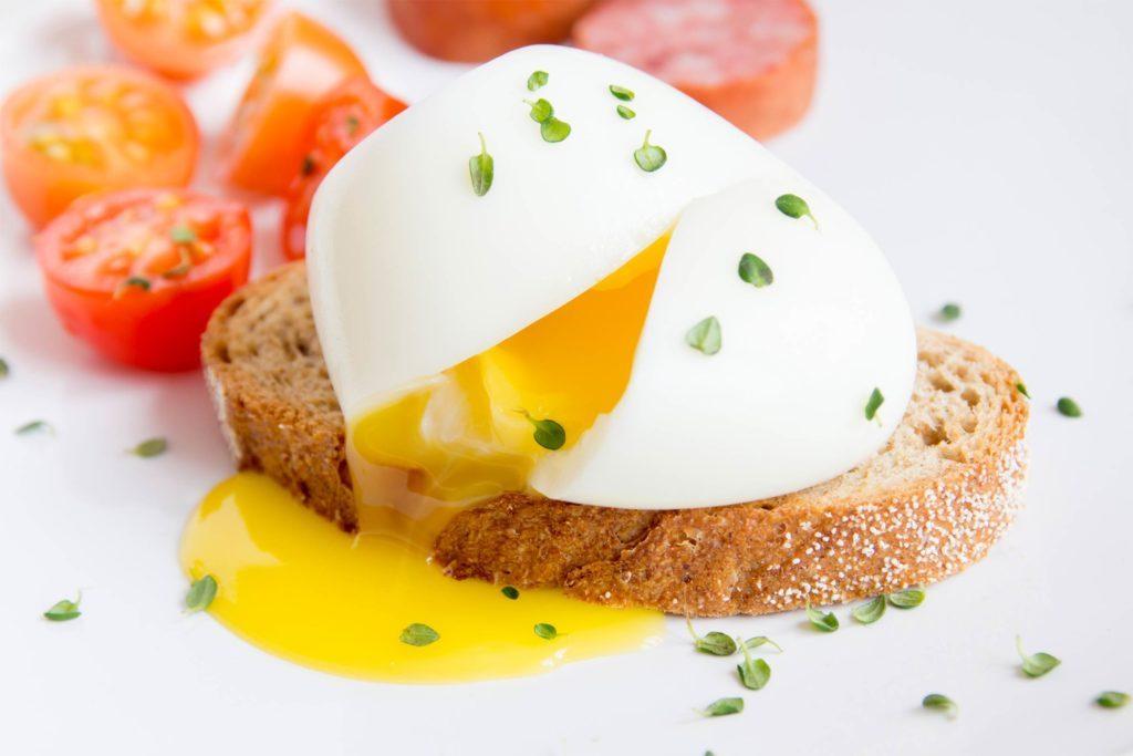 a tökéletes buggyantott tojás elkészítése