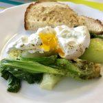 Pak Choi buggyantott tojással – reggeli