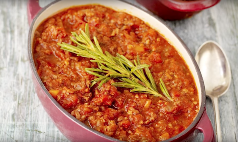 Jamie Oliver - egyszerű Bolognai szósz recept