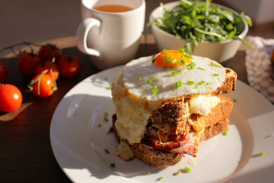 BRUTÁLIS Reggeli – Croque Madame szendvics