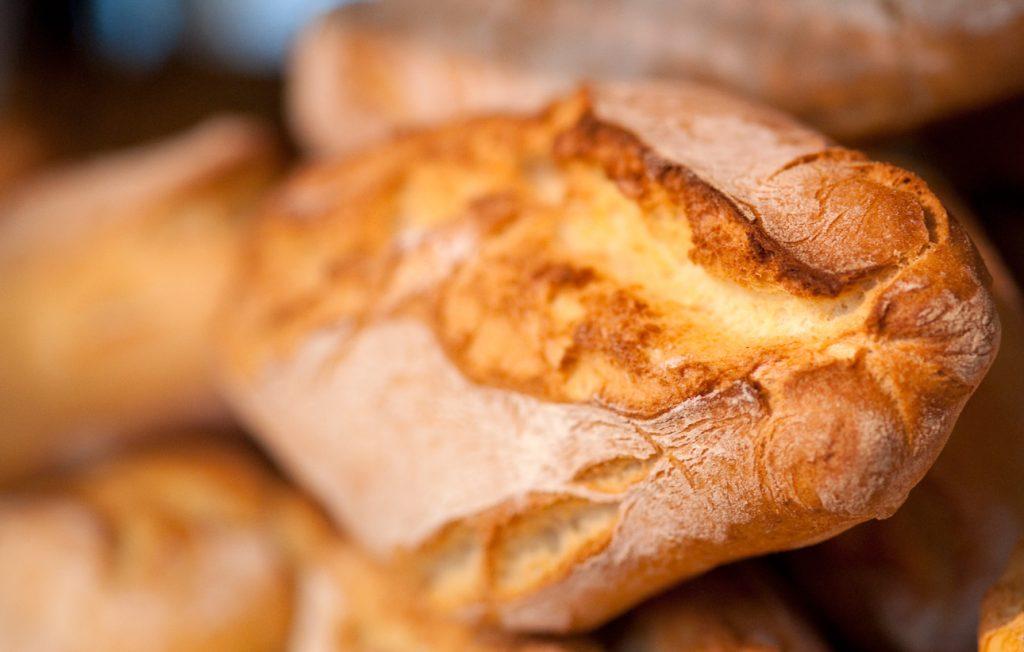 pane-kenyer-sokaig-friss-hosszan-magyar