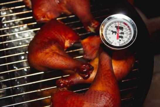 BBQ - Füstölt csirkecomb mártogatóssal